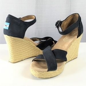 TOMS Size 7.5 Open Toe Wedge Ankle Strap